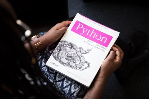 9 Must-Read Python Books in 2021