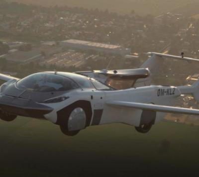 Carro voador completa teste com voo entre dois aeroportos